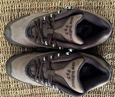 WOMANS NEW BALANCE 963 WATERPROOF HIKING BOOTS brown US 8 / UK 6 / EUR 39 NEW