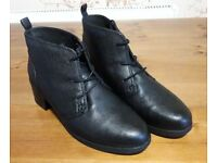 Clarks Nevella Harper Wide fit Lace Up Ankle Boots, soft cushion, size 6 (could fit 6.5), worn once
