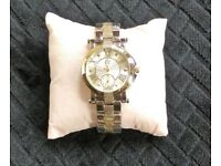 Ladies Watch / New women's Watch comes in silver with Gold plate
