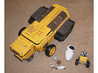 Disney Pixar Wall-E - Buy N Large Sounds Garbage/Rubbish Truck with Figures