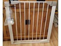 Lindam Sure Shut Orto Safety Stair Gate
