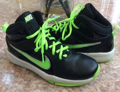 a4e0bb6da5a98 Nike Team Hustle D 6 Kid's Black Green Basketball Shoes Size 6Y #599187-002  EUC!