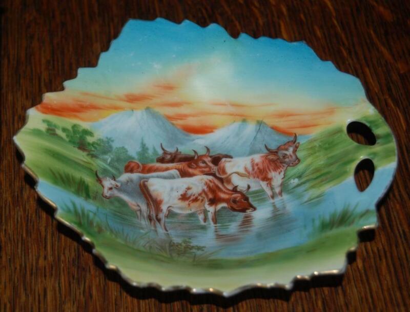 BEAUTIFUL VINTAGE VICTORIA AUSTRIA PORCELAIN COWS STEER CANDY DISH