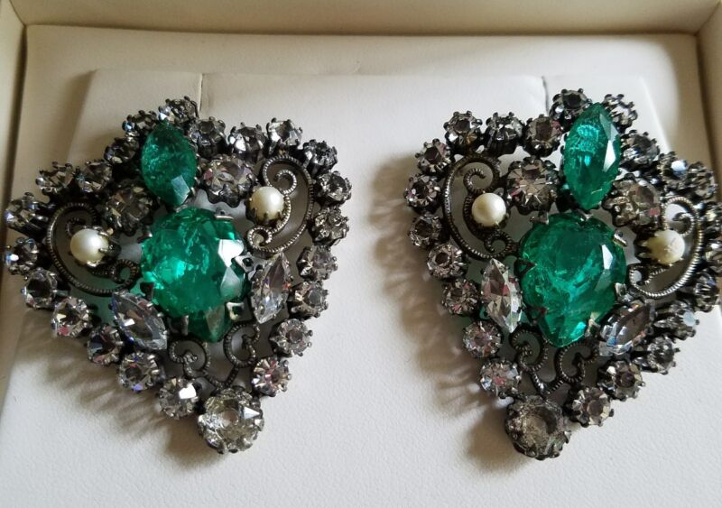 Vintage Signed Schreiner New York Brooch Duo *green with pearls*