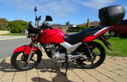 Honda CB 125e (LAMS approved)