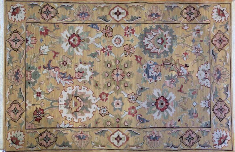 Special Sumak - 1960s Vintage Indian Rug - Floral Oriental Carpet - 4 X 6 Ft.