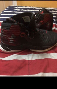 Size 14 Curry 2.5 (Black/Red)
