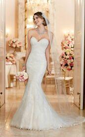 Brand new Stella York mermaid / fit and flare wedding dress Size 14