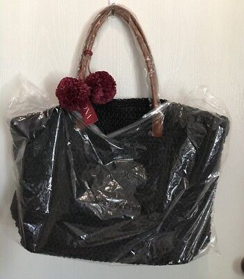 Merona Straw Tote Beach Bag Purse Black W/ Maroon Pom Poms Zip Top Closure (Black Beach Bag)