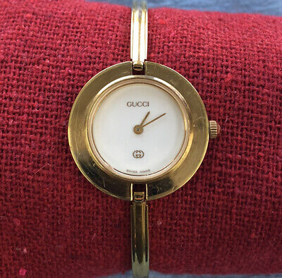 USED AUTHENTIC VINTAGE GUCCI 11/12 BEZEL BANGLE LADIES WATCH