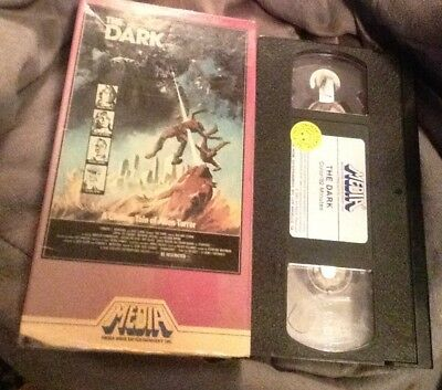 THE DARK (VHS,1982)- MEDIA ENTERTAINMENT-Tested-Free Shipping
