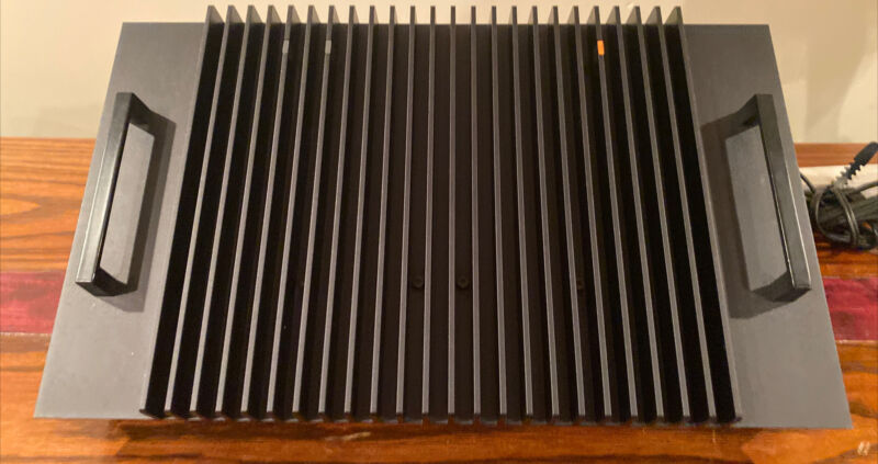 Nakamichi 620 Stereo Power Amplifier works excellent cosmetics RARE