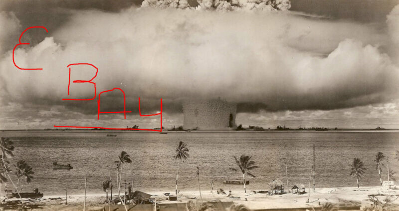 WWII HUGE 8X10  PHOTOGRAPH OF ATOMIC BOMB TEST AT BIKINI ATOLL 1946 EXPLOSION