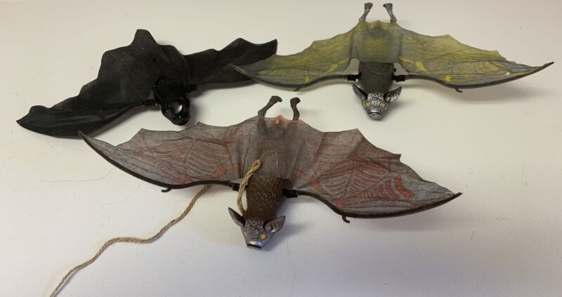 Vintage 2000 Lot of 3 Bats Animated Sound Motion Halloween Props see video HTF