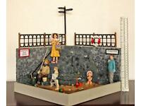 Rare vintage retro style BEACH SCENE intricate adult Collectable diorama Model scene Amazing SDHC