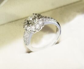 Expensive looking - 18ct White Gold - 2.22 carat Diamond Ring - Perfect Christmas Gift