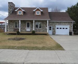 Maison à un étage et demi - à vendre - Val-d'Or - 27892308