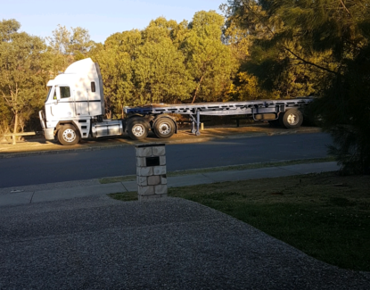 2003 Freight liner argosy and 40 foot flattop