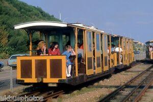 Volks-Electric-Railway-2-Car-set-Brighton-East-Sussex-Rail-Photo-D