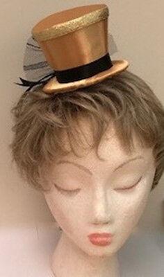 Gold Undertakers, Mini Top Hat