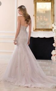 Beautiful Stella York Wedding Gown
