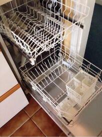 WHITE HOTPOINT 7800 SLIMLINE DISHWASHER PERFECT WORKING ORDER