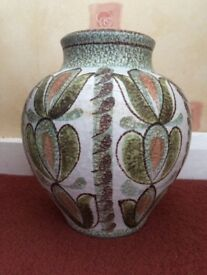 Glyn Colledge vase - proceeds to charity