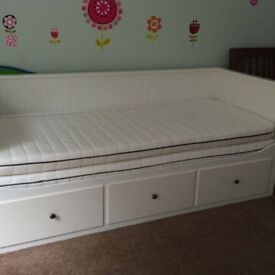 Ikea daybed