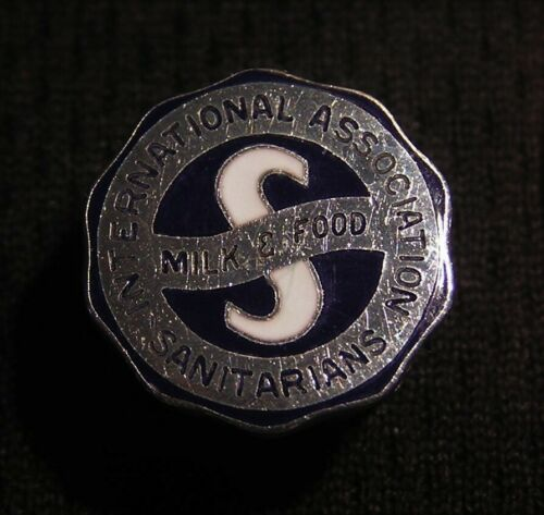 VINTAGE INTERNATIONAL ASSOCIATION OF MILK & FOOD SANITARIANS SCREWBACK PIN Dairy
