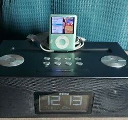 Apple iPod nano 8 GB - 3rd gen and ihome ID84BZ Dual Alarm Clock Radio iPad/iPod