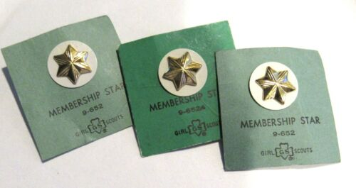 3 X Official CADETTE Girl Scout Member STARS New PINS on Card 1963 w/WHITE DISK