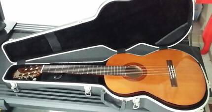 Yamaha Guitar + hardcase & extras *EXCELLENT CONDITION* Canning Area Preview