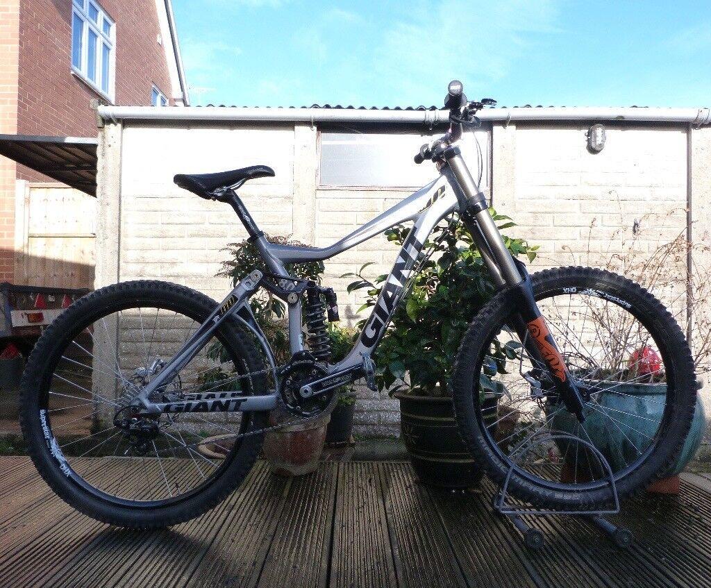 Giant Glory 00 Downhill Freeride Mountain Bike - 18\