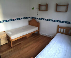 Nice Share room is available now in clean flat for a LADY, 3min walk to Hammersimith Station