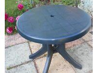 Garden Table/Green/Circular/Croydon/Surrey/London