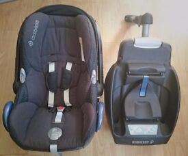 CabrioFix Safe comfortable infant carrier and EasyFix Belt and ISOFIX installable base