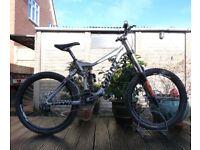 "Giant Glory 00 Downhill Mountain Bike - 18"" Medium Frame Full Suspension Freeride - FOX 40!"