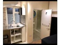 BEDSIT / ENSUITE ( SELF CONTAINED)DOUBLE ROOM.wifi (RM8.