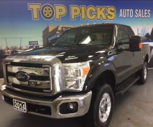 2014 Ford F-250 XLT, 4X4, BUCKETS AND CONSOLE, LOW KMS !