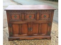 Old charm record cabinet 🎶