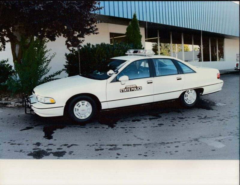 Oregon State Police 1992 Chevrolet Caprice color photo