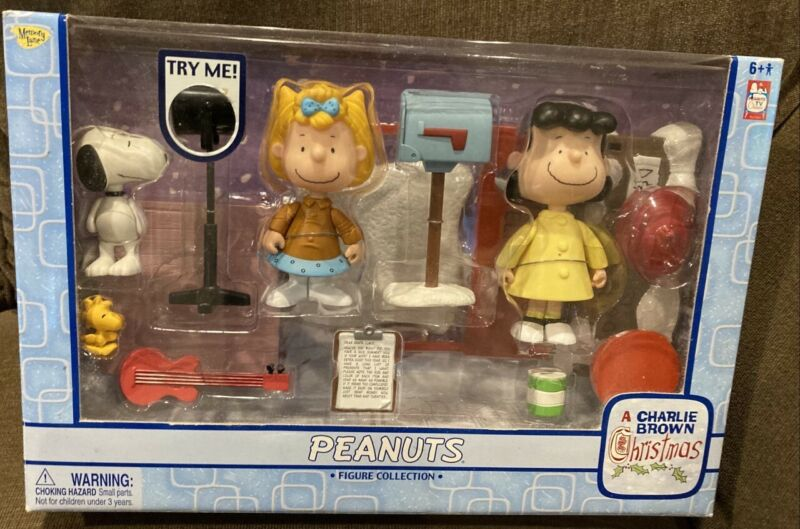 PEANUTS Snoopy Christmas Figure Collection, 2005 NIB, Woodstock, Lucy, Sally