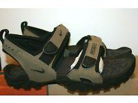 Nike Women/'s Valkyrie ACG Flip Flops Beach Swimming Pool Summer Shoes