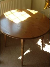 Solid Oak Table with 4 Original Chairs Fantastic Quality