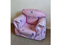 Children's arm chair. Removable covers.