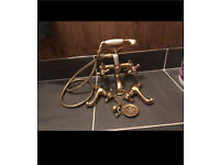 Brass tap/shower set with taps and plug