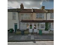 3/4 BEDROOM HOUSE IN CANNING TOWN **PART DSS ACCEPTED** CALL TODAY!!