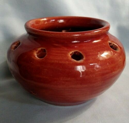 Kentucky Pottery Maroon Flower Frog - Bybee?