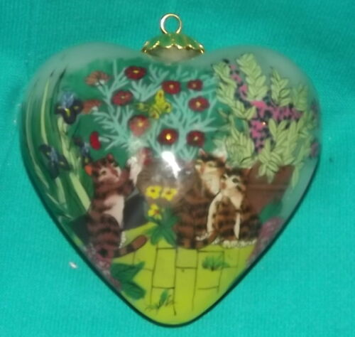 Li Bien Heart shape ornament Kittens flowers and Butterflies