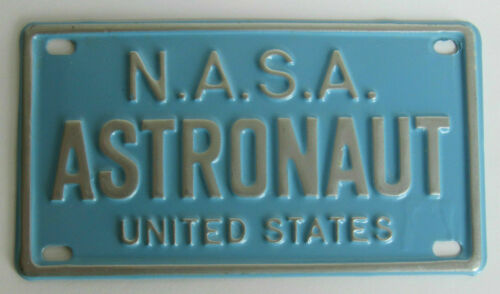 RARE NASA ASTRONAUT 1968 QUAKER LIFE CEREAL Bicycle License Plate Mint Condition
